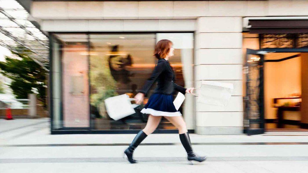 shopping_mall_tokyo_woman